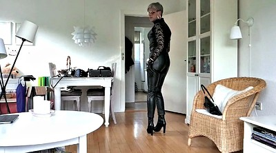 Leather, Sissy